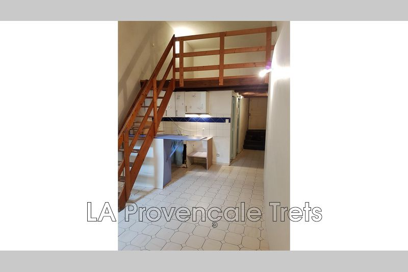 appartement  1 room  Trets   41 m² -