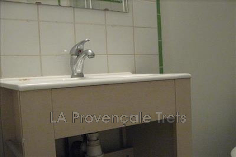 appartement  1 room  Trets   22m² -