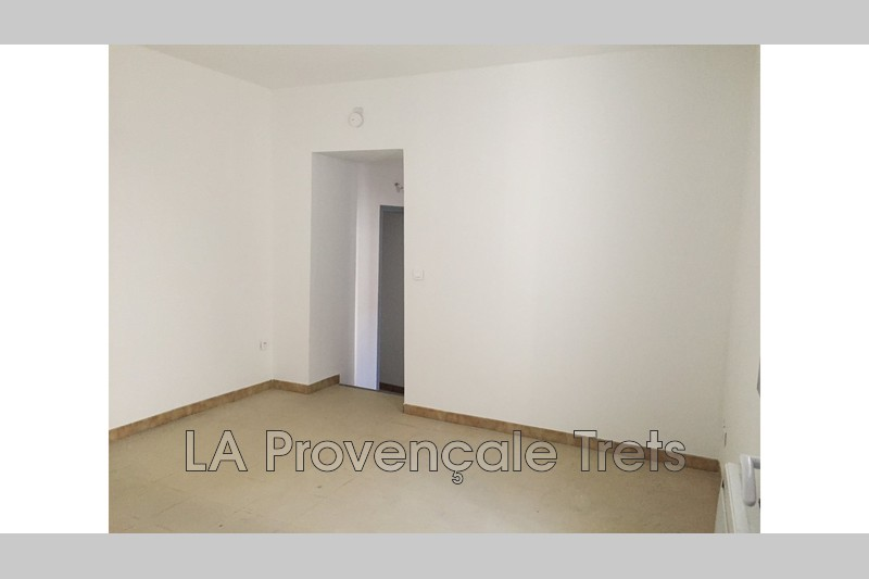 appartement  2 rooms  Trets   31 m² -