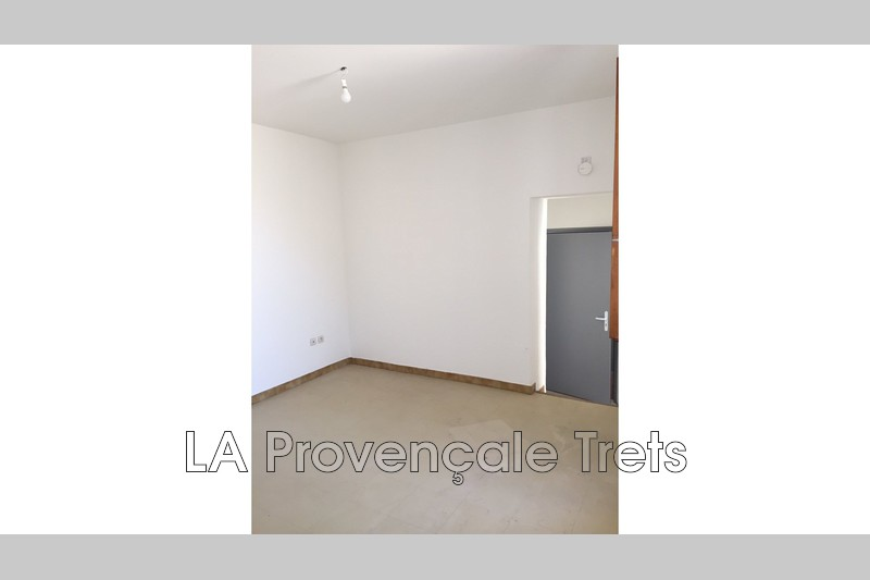 appartement  2 rooms  Trets   36m² -