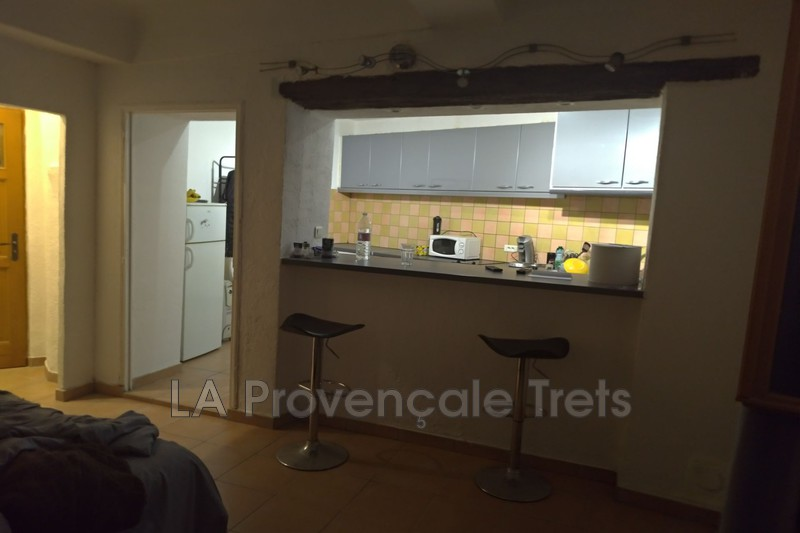 appartement  2 rooms  Trets   46 m² -
