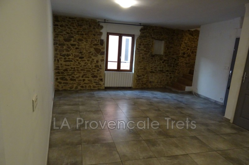 appartement  3 rooms  Trets   60m² -