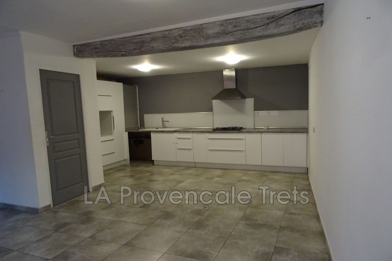 appartement  3 rooms  Trets   60 m² -
