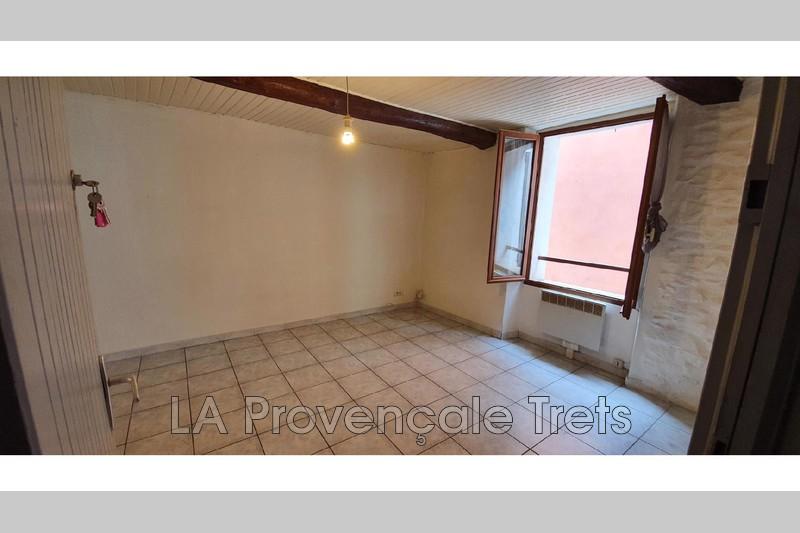 appartement  2 pièces  Trets   28m² -