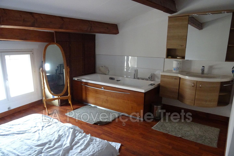 Photo n°1 - Vente maison de village Trets 13530 - 219 900 ...