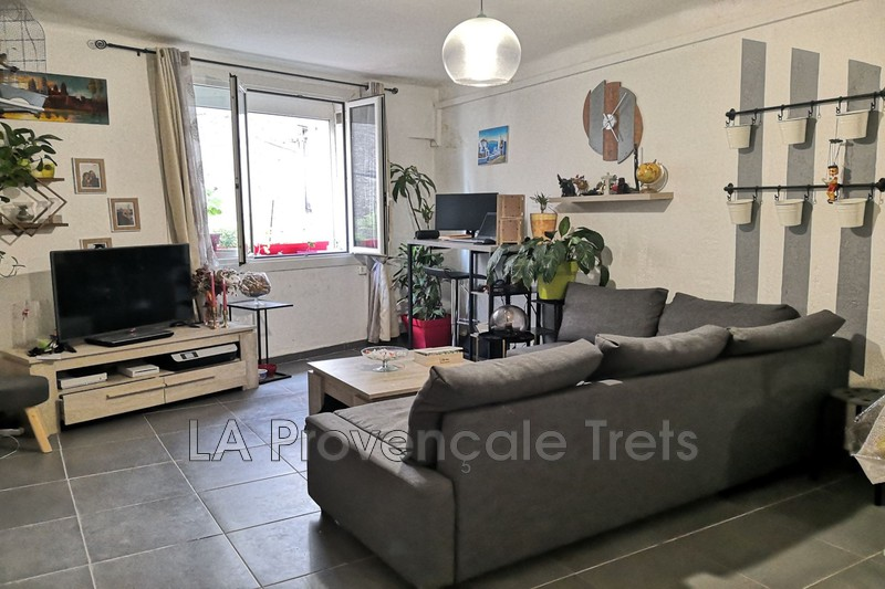 appartement  2 rooms  Pourrières Downtown  67 m² -