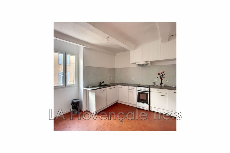 appartement  3 rooms  Trets   68 m² -