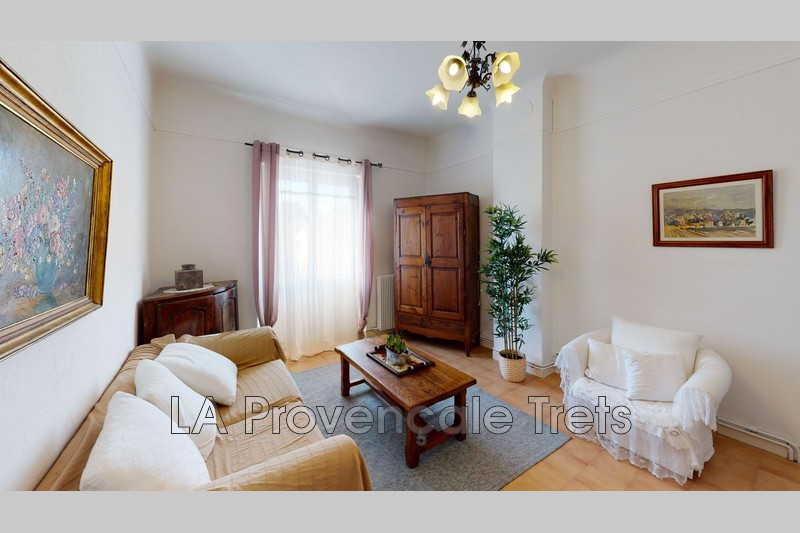 appartement  3 pièces  Trets Centre-ville  61m² -