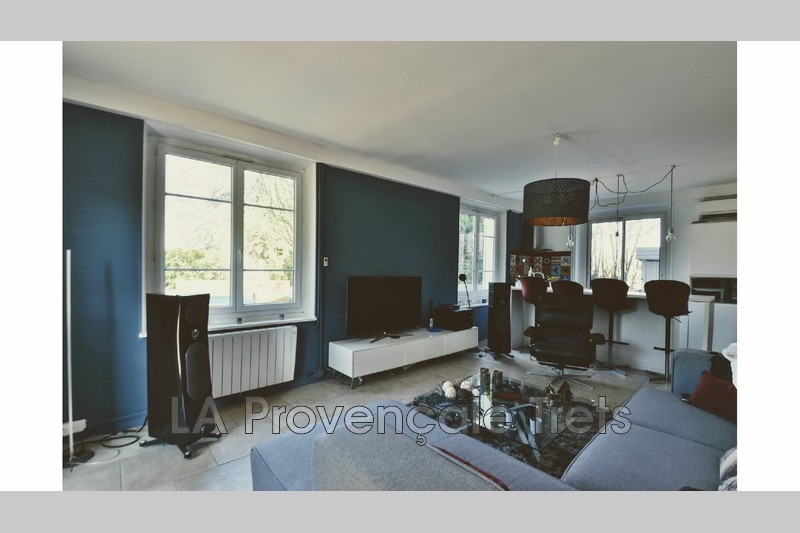 appartement  3 rooms  Trets   80m² -