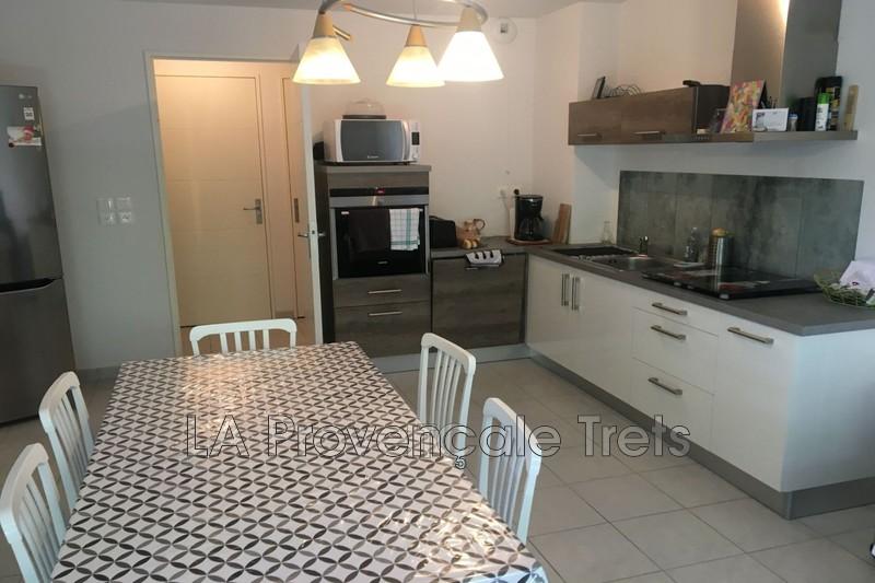 appartement  3 rooms  Trets Village  60m² -