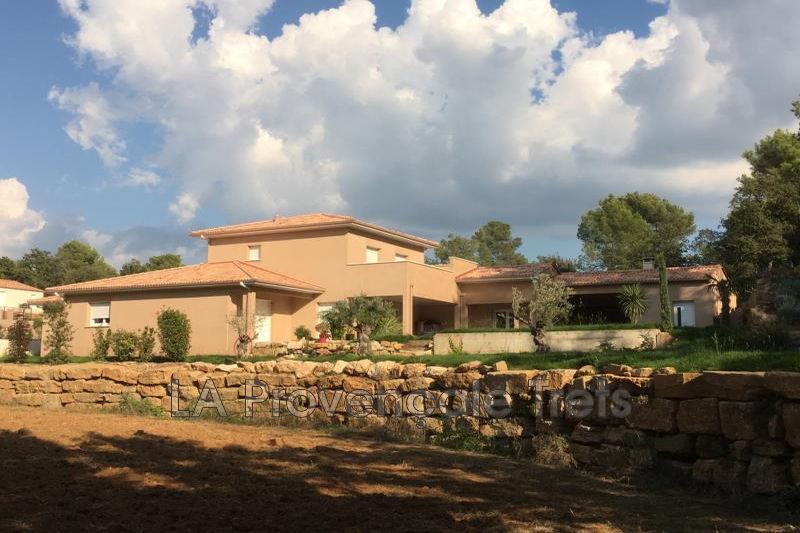 Photo Villa Pourrières   achat villa  5 chambres   200m²