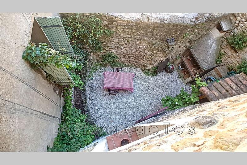 maison  4 pièces  Trets   108m² -