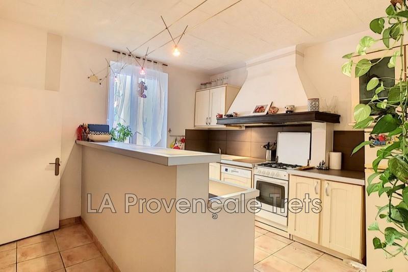 Photo n°1 - Vente maison de village Trets 13530 - 235 400 €