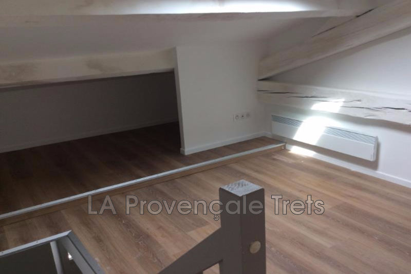 appartement  3 rooms  Trets   33 m² -