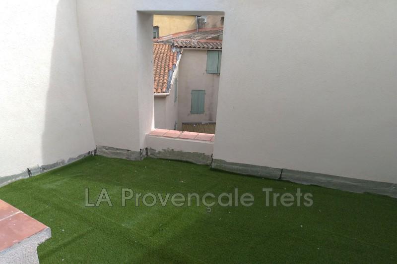 maison  3 rooms  Trets   83m² -