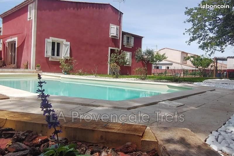 maison  6 pièces  Rougiers Centre-ville  178m² -