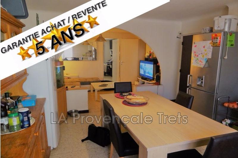Photo Appartement Trets Centre-ville,   achat appartement  3 pièces   62m²