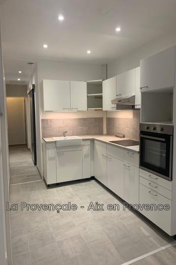 appartement  3 pièces  Trets Centre-ville  66m² -