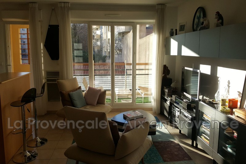 appartement  4 rooms  Aix-en-Provence   83 m² -