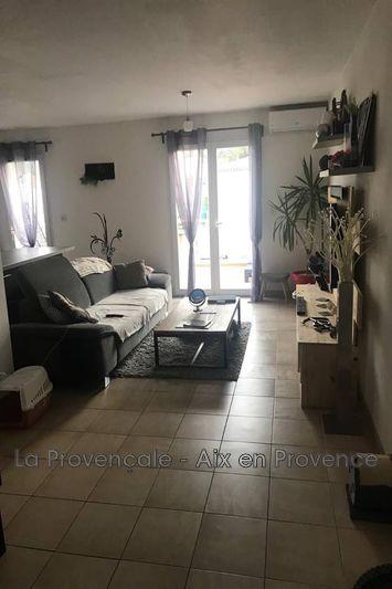 Photo Appartement Trets  Location appartement  3 pièces   56m²