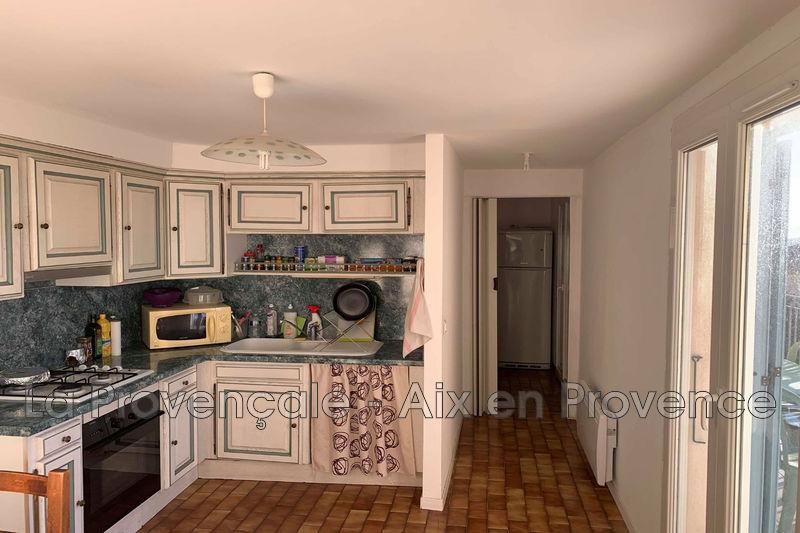 appartement  4 pièces  Meyreuil   77m² -