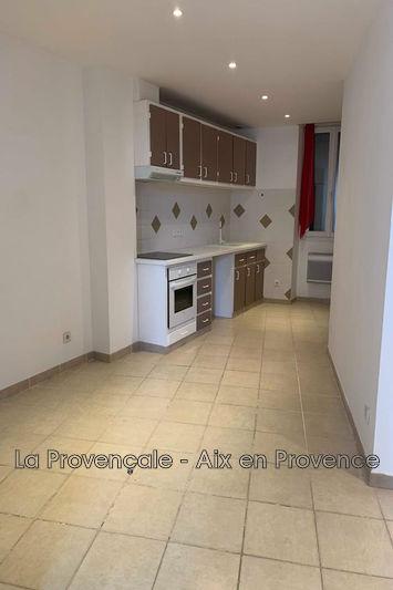 appartement  3 pièces  Trets   50m² -