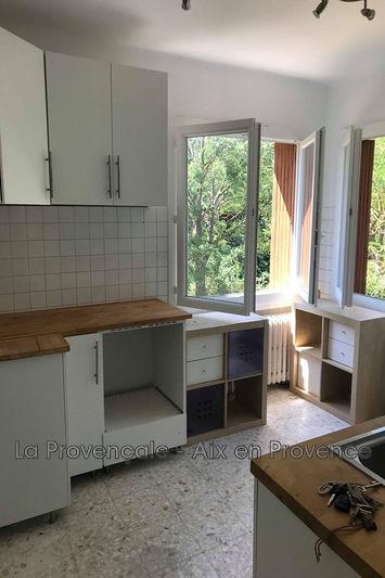 Photo Maison Gréasque  Location maison  2 chambres   80m²
