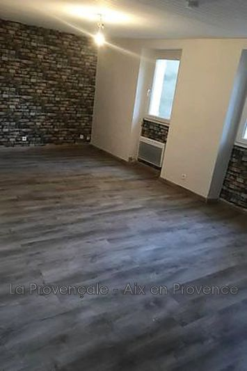 appartement  4 rooms  Rousset Downtown  82m² -
