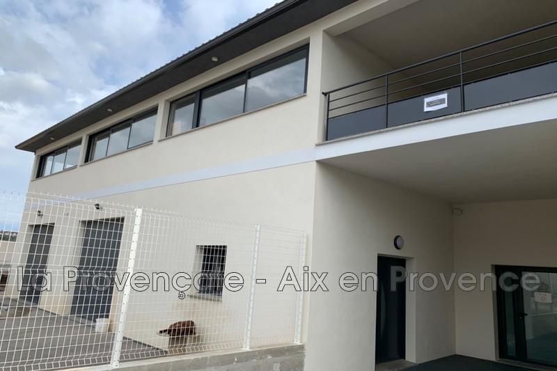 fondcommercevente  Velaux Village  210m² -