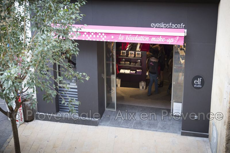 Photo  Aix-en-Provence Centre-ville,  Professionnel    48 m²