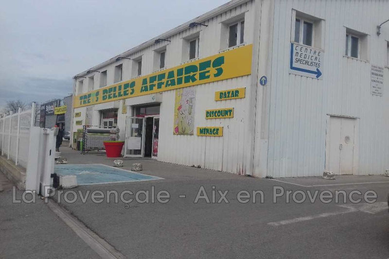 Photo Local professionnel Trets  Professionnel local professionnel   120 m²