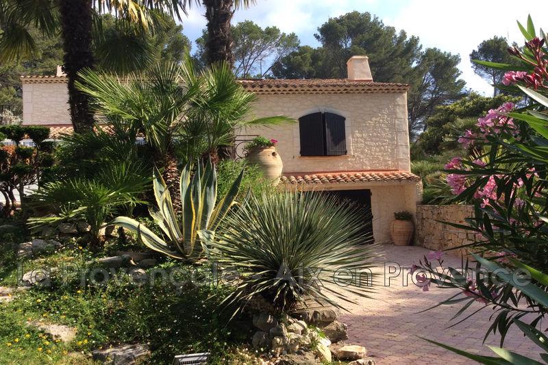 Photo Villa provençale Aix-en-Provence   achat villa provençale  6 chambres   261m²