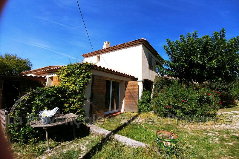maison  4 pièces  Aix-en-Provence Centre-ville  90m² -