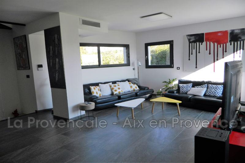maison  5 pièces  Aix-en-Provence   120m² -
