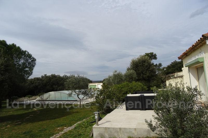 maison  6 pièces  Aix-en-Provence Calme  200m² -