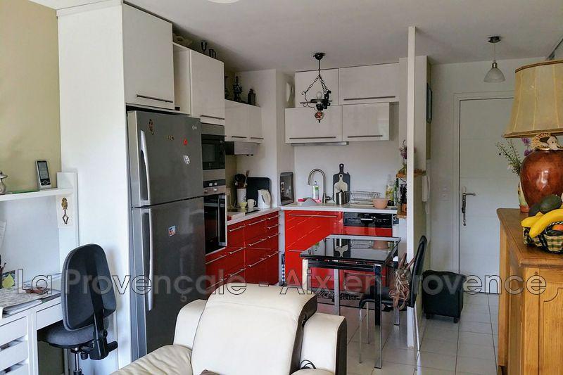 Photo Appartement Fuveau Centre-ville,   achat appartement  3 pièces   63m²