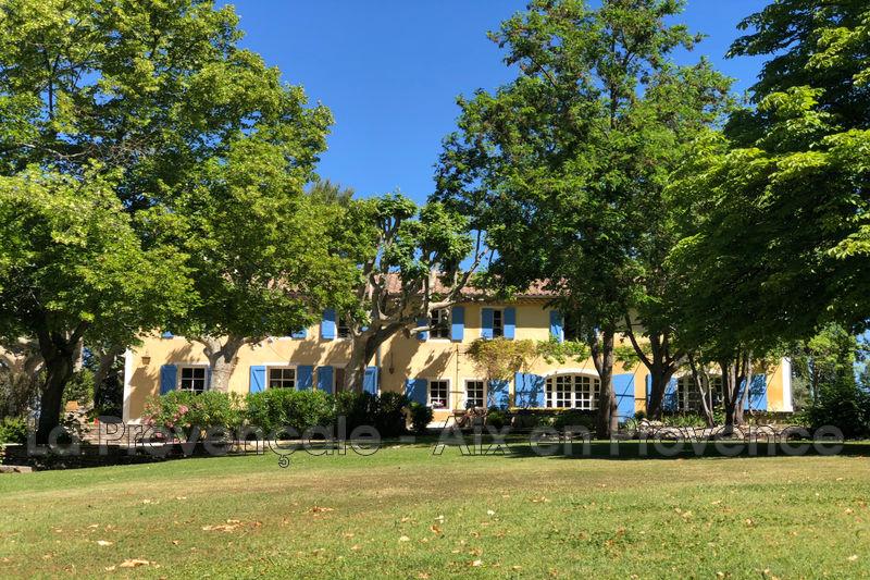 maison  12 pièces  Aix-en-Provence   416m² -
