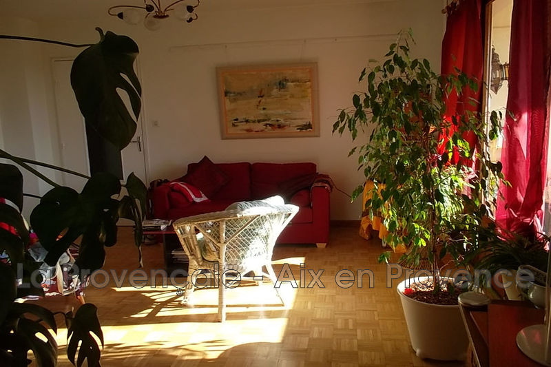 appartement  3 pièces  Aix-en-Provence Val st andré  61m² -