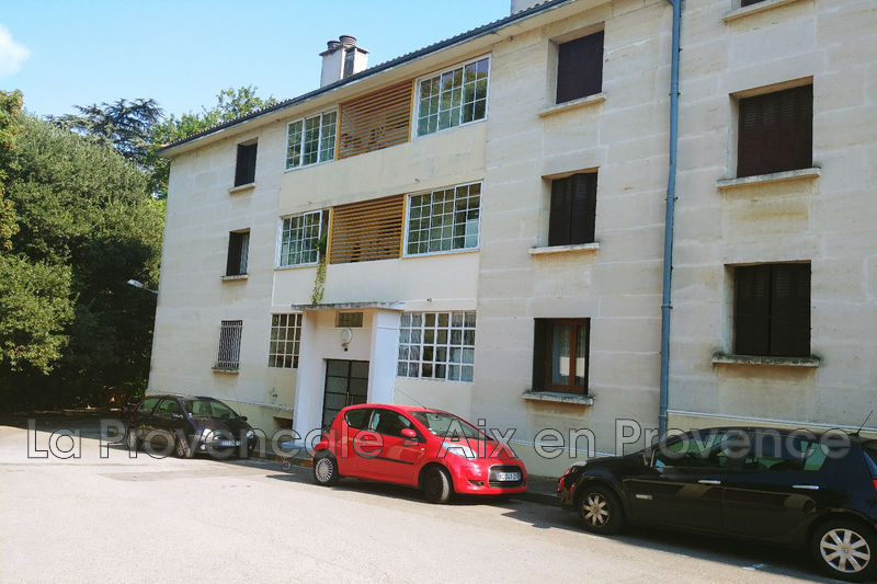 Photo Appartement Aix-en-Provence Centre-ville,   achat appartement  3 pièces   76m²