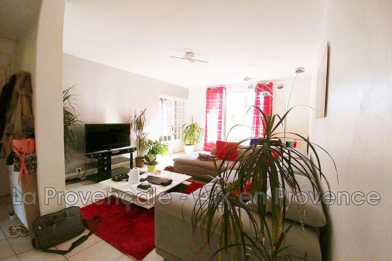 Photo Appartement Aix-en-Provence Centre-ville,   achat appartement  4 pièces   74m²
