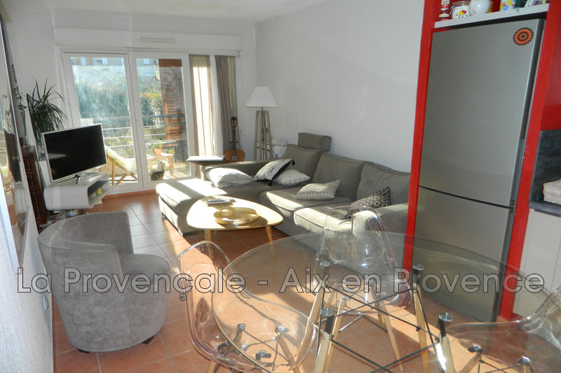 appartement  2 rooms  Trets Downtown  38m² -
