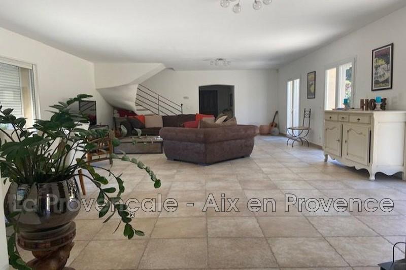 maison  5 pièces  Aix-en-Provence   190m² -