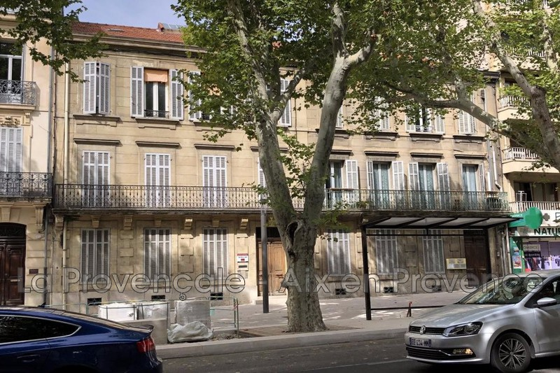 appartement  3 rooms  Aix-en-Provence   88 m² -