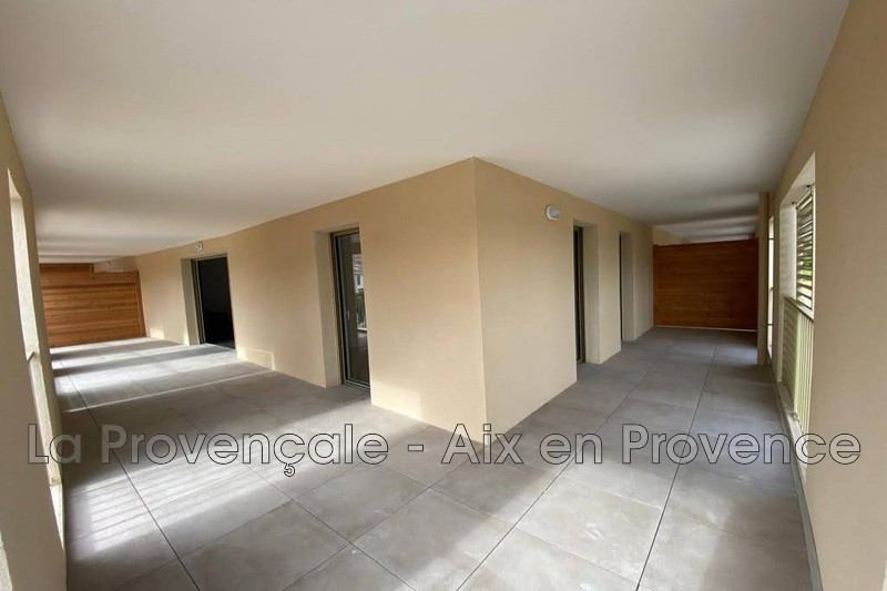 appartement  3 rooms  Luynes   62m² -