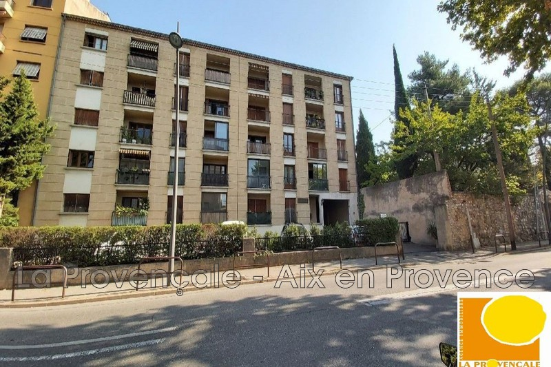 appartement  1 room  Aix-en-Provence Downtown  32 m² -