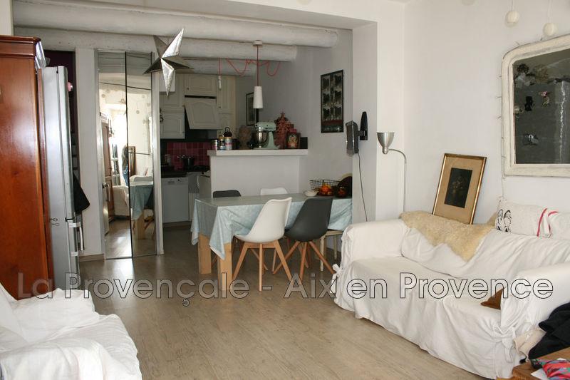 maison  3 pièces  Eguilles Village  68m² -