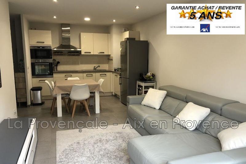 Photo Appartement Fuveau Centre-ville,   achat appartement  3 pièces   58m²