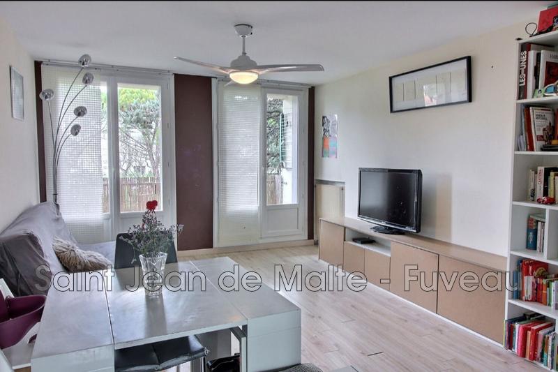 Photo Appartement Gardanne Centre-ville,   achat appartement  3 pièces   62m²