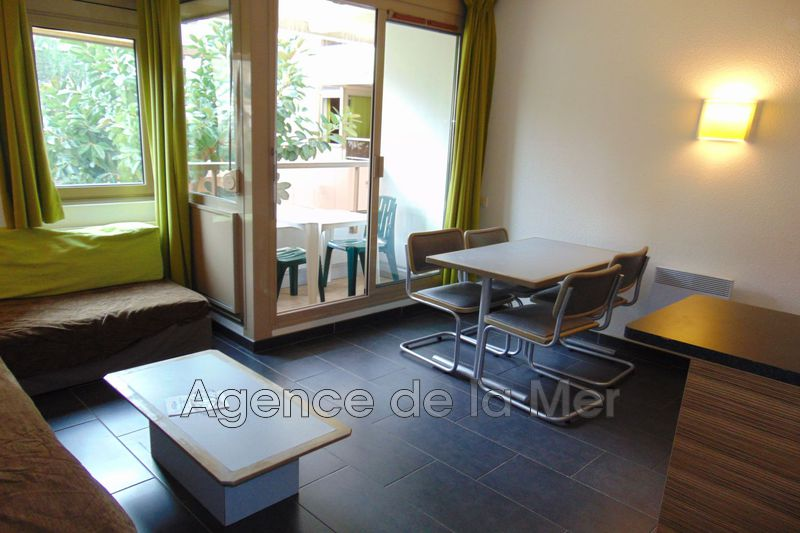 appartement  1 room  Juan-les-Pins Downtown  23 m² -