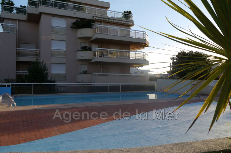 appartement  2 rooms  Juan-les-Pins Bijou plage  50 m² -